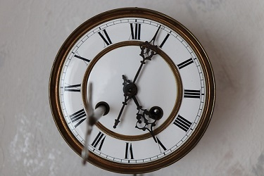 clockface with second hand